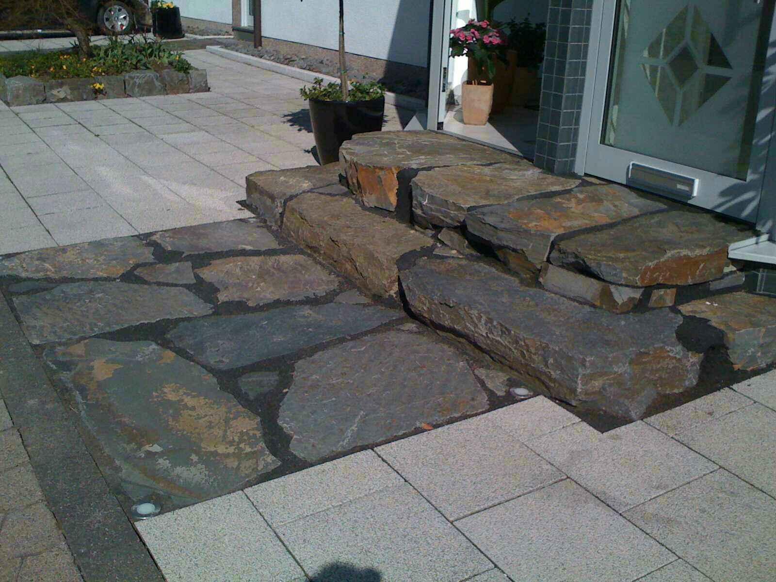 Steinbruch jung grauwacke bruchsteinplatten for Boden eingangsbereich